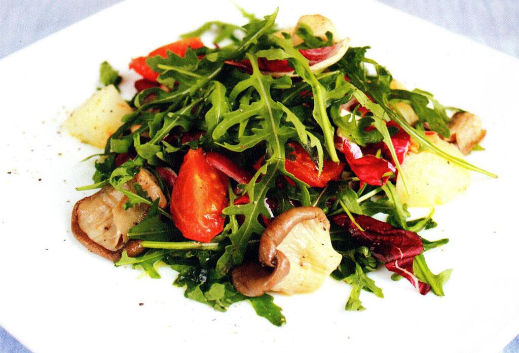 Теплый салат с вешенками
